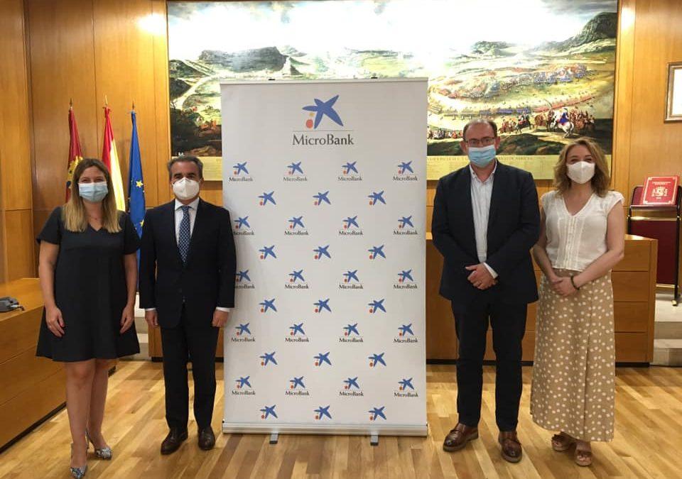 Convenio de Colaboración entre Ayto. de Almansa y Microbank en materia de financiación de emprendedores.