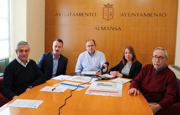 """El Ayuntamiento presenta un nuevo servicio de """"sensibilización, crecimiento y consolidación de empresas en Almansa"""""""